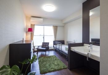 快適に暮らせるように考えられた1人部屋(18㎡)の居室です。