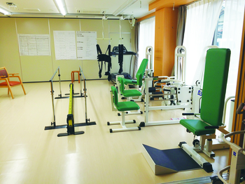 最新機器を導入した機能訓練室