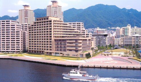 【ホーム外観】海側から見た『エレガーノ摩耶』 神戸の都心近くに住まう環境を。ロケーション良く、神戸の中心「三宮」に近い好立地のホームです。